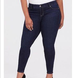 Torrid bombshell dark wash skinny jeans